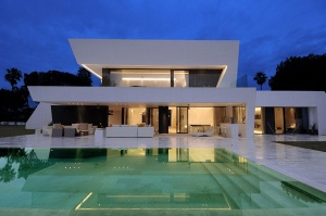 awesome-modern-house-mediterranean-coast-1